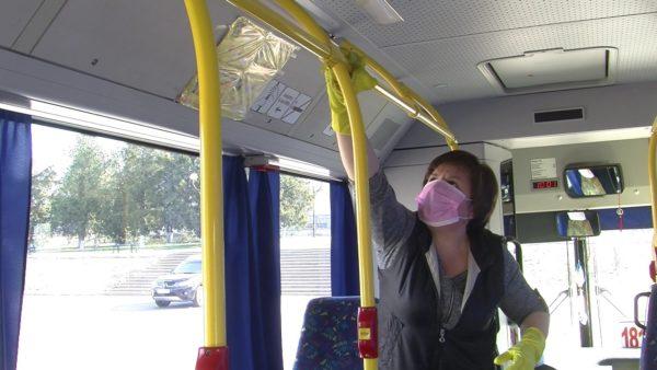 В Александрии дважды в день дезинфицируют автобусы