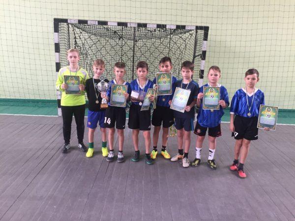 Команда школы №17 победила в соревновании по футзалу