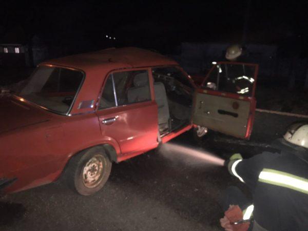 В Александрии машина врезалась в бетонное ограждение