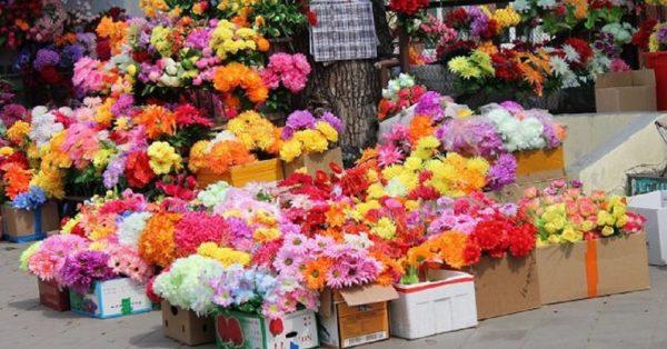 Исполком не разрешил предпринимателю продавать искусственные цветы