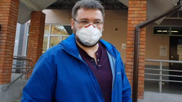 Александр Кияшко раздал 100 респираторов FFP-3 медицинским работникам