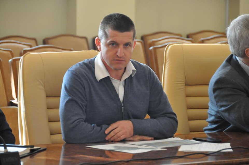 Бывшая теща подарила александрийскому депутату и советнику мэра 2 млн. гривен