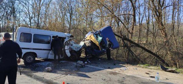 Возле Пантаевки столкнулись два микроавтобуса