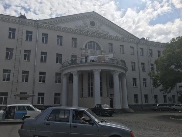 В Александрийской городской больнице врачи обеспечены средствами индивидуальной защиты всего на 58%