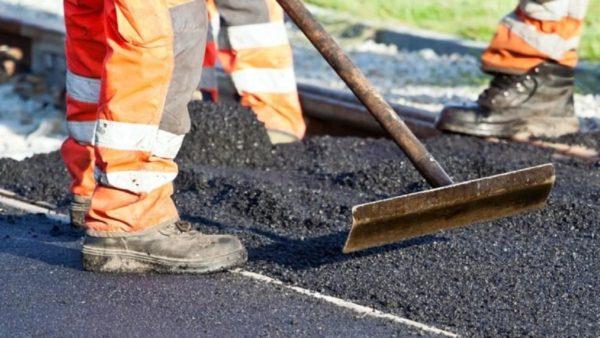 Почти 20 тысяч квадратных метров ям ликвидировали на дорогах области