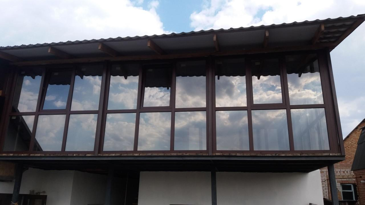 Як обрати металопластикові конструкції на власний балкон?