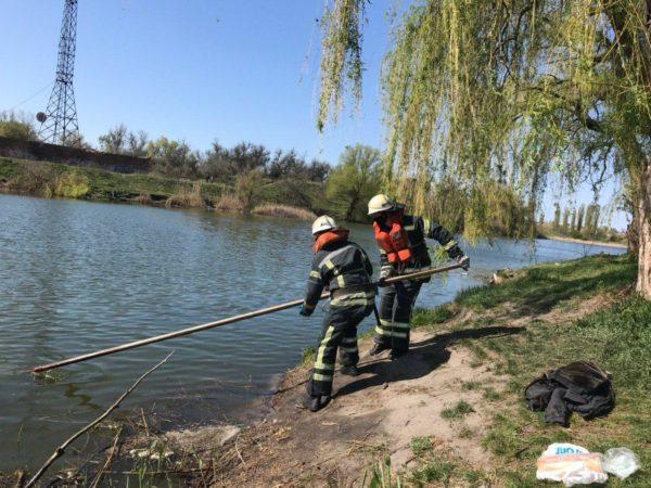 В Александрии спасатели извлекли тело мужчины из реки
