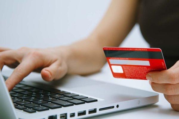 Мошенники предлагают 800 грн в обмен на персональные данные