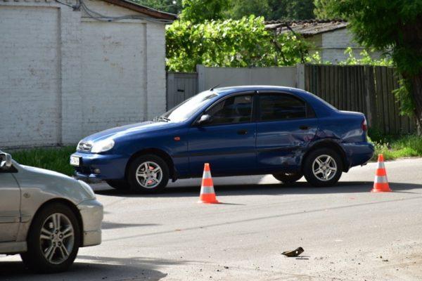 На перекрестке улиц Шевченко и Дибровы произошла авария
