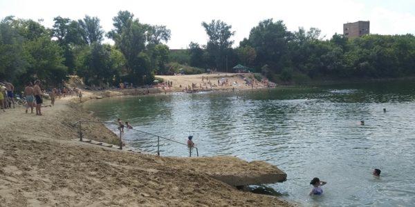 В ближайшее время закончат работы по благоустройству Байдаковского пляжа