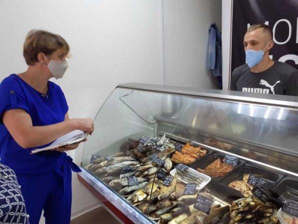 В колбасных и других магазинах Александрии зафиксировали нарушения карантинных требований