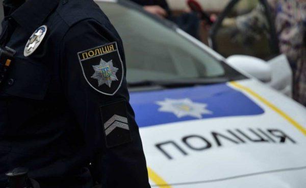 За избиение мужчины и повреждение авто будут судить бывшего патрульного Александрии