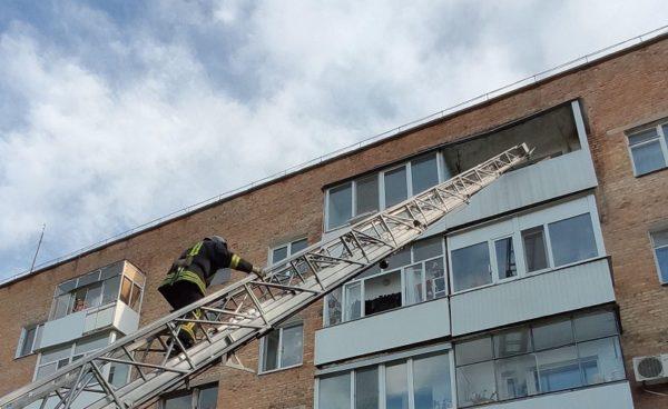 За сутки спасатели трижды помогали александрийцам открыть входные двери квартир