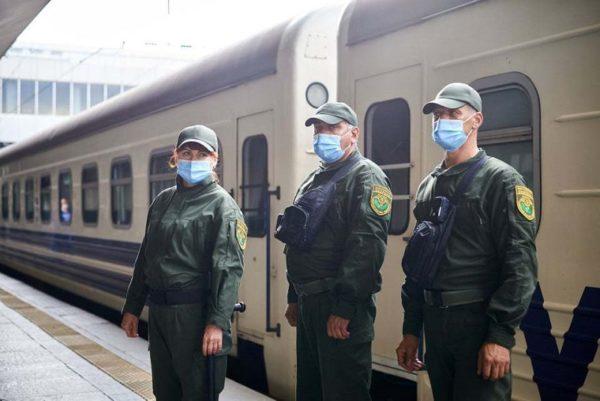 В поездах, которые останавливаются в Александрии, будут дежурить военизированные охранники