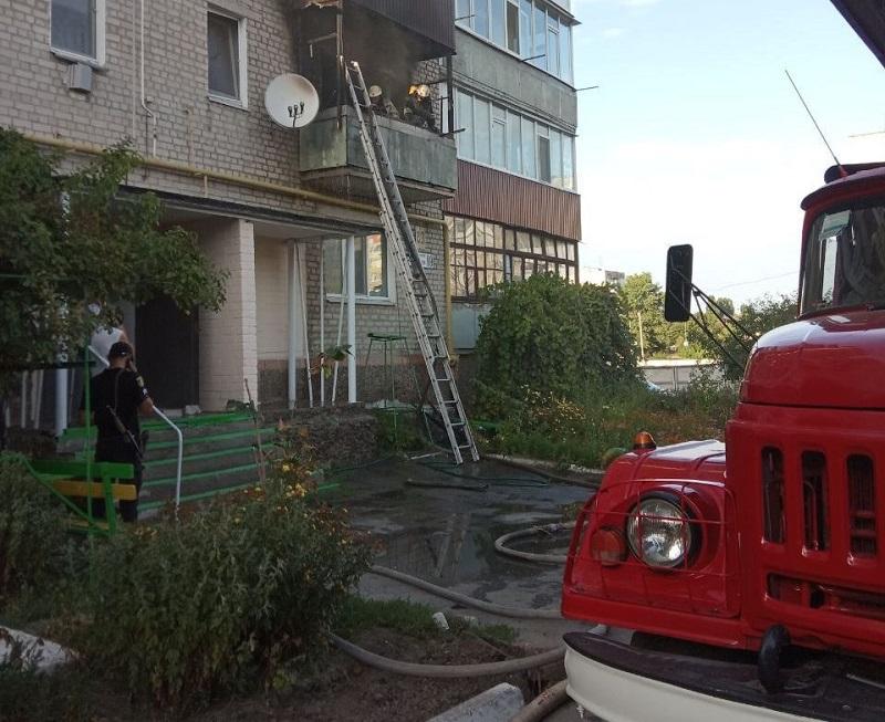 Александрийские спасатели открыли дверь квартиры, в которой хозяйка нуждалась в медицинской помощи