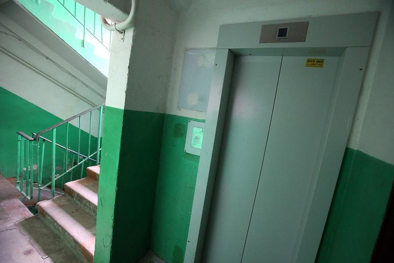В многоэтажке Александрии перестал работать лифт из-за проделок вора