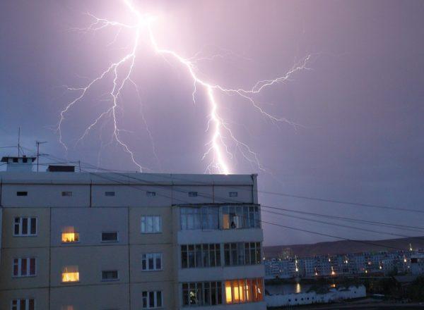Штормовое предупреждение в Кировоградской области: дожди, грозы и сильный ветер