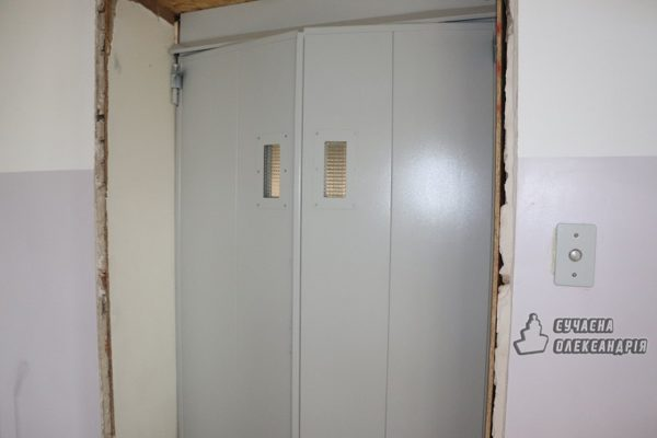 В городской поликлинике установили новый лифт (ФОТО)