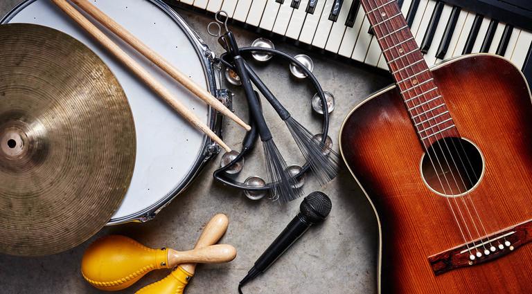 Уроки игры на музыкальных инструментах детям: для чего нужны и как выбрать?