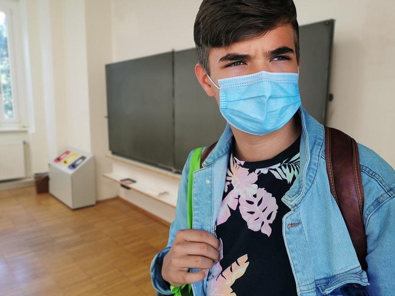 Антирекорд в Александрии: +26 больных коронавирусом, в их числе школьник