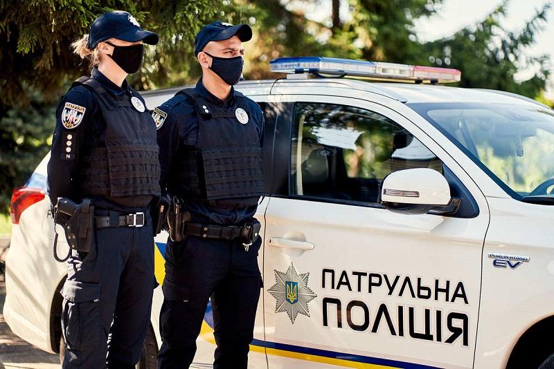 Александрийские полицейские нашли наркотики в машине 22-летнего мужчины
