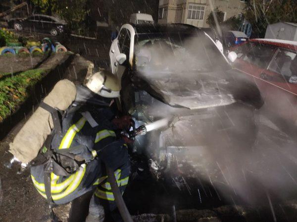 В Александрии горел автомобиль Hyundai Tucson, баня и несколько домов (ФОТО)