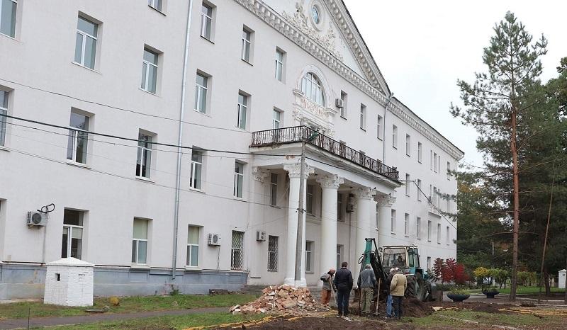 В Александрии строят новое приемное отделение городской больницы (ФОТО)