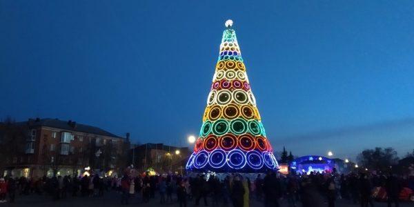 Не исключено, что на новогодние праздники в Украине усилят карантинные меры