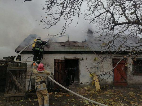 В Александрии спасатели 7 часов тушили пожар