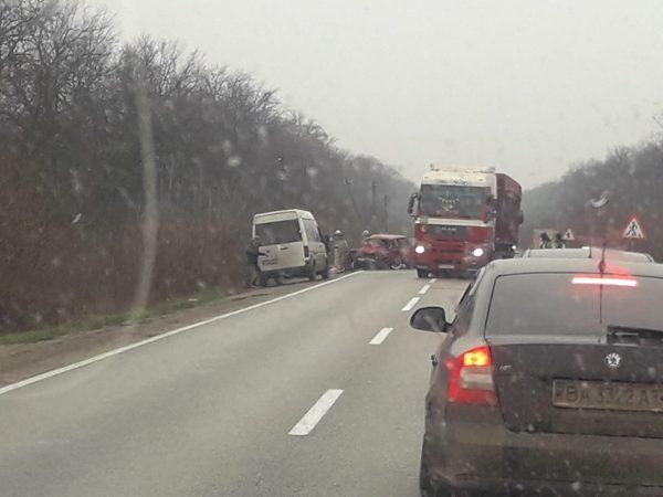 В Александрийском районе в ДТП погиб пассажир ВАЗа, два водителя получили травмы