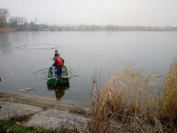 Смертельная рыбалка: в Александрии мужчина провалился под лед (ФОТО)