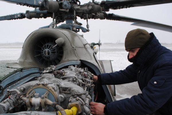 Александрийские авиаторы совершили полеты на вертолетах МИ-8 в сложных погодных условиях (ФОТО)