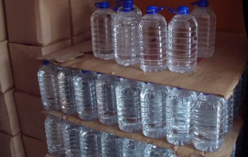 В Кировоградской области изъяли незаконно изготовленный алкоголь, который продавали в интернете (ФОТО)
