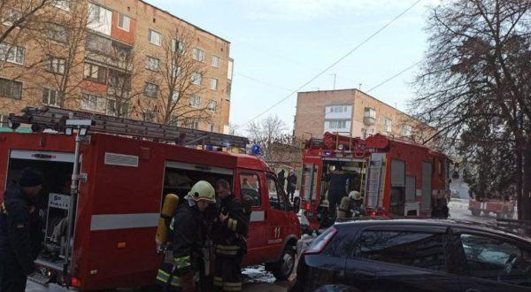 В Александрии пожарные спасли жизнь мужчине при тушении пожара в подвале многоэтажки (ФОТО)