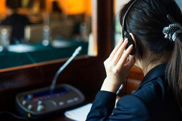 Особенности профессии синхронного переводчика