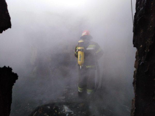 В Александрии во время тушения пожара спасатели обнаружили тело хозяина дома (ФОТО)