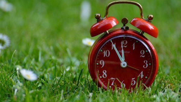 В воскресенье не забудьте перевести часы на летнее время