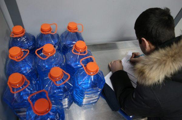 В Кировоградской области изъяли более 2 600 литров фальсифицированной водки и коньяка (ФОТО)