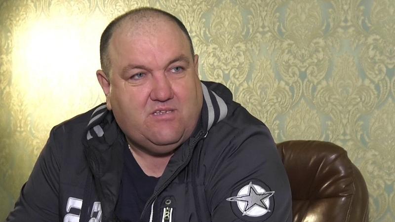 Единственный, кто не пострадал во время взрыва в офисе, это бизнесмен и президент ФК «Ингулец» Александр Поворознюк