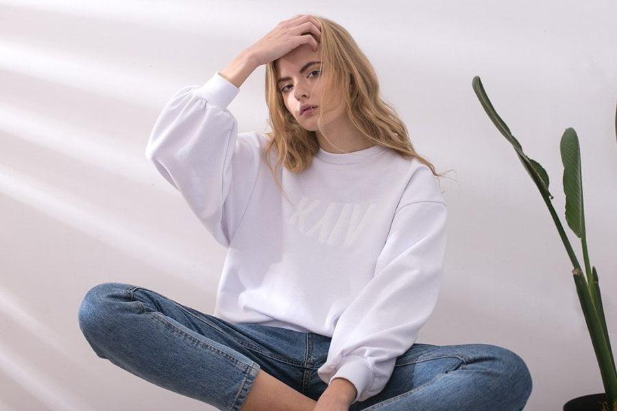 Женский свитшот: особенности, правила выбора, с чем носить