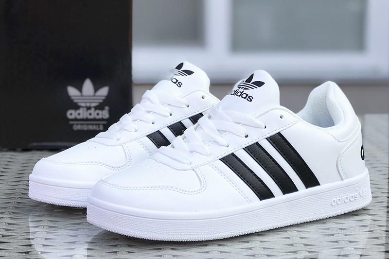Кроссовки Адидас – удобная обувь