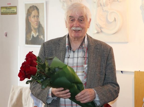 Сегодня исполняется 80 лет Почетному гражданину Александрии, художнику Степану Николенко