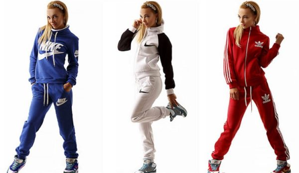 На что обратить внимание при покупке женского спортивного костюма?