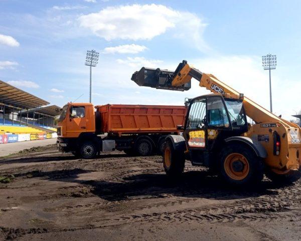 Реконструкция футбольного поля на стадионе «Ника» обойдется в 2 миллиона гривен