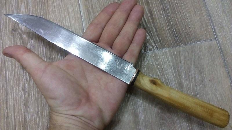 Жителя Кировоградской области, который ножом нанес смертельные удары 27-летнему мужчине, взяли под стражу (ФОТО)