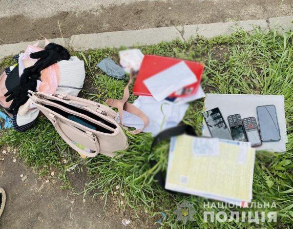 Группа мошенников, под видом соцработников, выманила большую сумму денег у жителей Кировоградской области