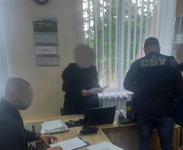 Голова одной из ОТГ Кировоградской области требовал 5 000 долларов взятки (ФОТО)