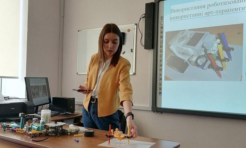 Школьница из Новой Праги победила в конкурсе научно-исследовательских работ Малой академии наук Украины