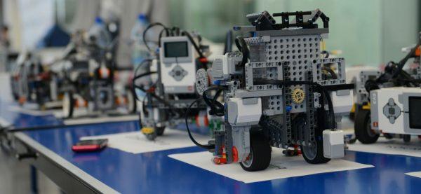 Школа робототехники: знания для большого будущего