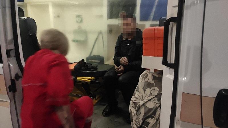 Ночью на Соборном проспекте мужчина не смог самостоятельно выйти из реки Березовка на берег, ему помогли спасатели